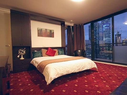 Lotus lodges dandenong ranges for Murphy bed melbourne